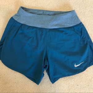 NWOT Nike XS running shorts